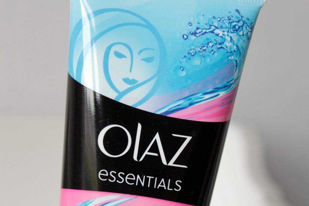 Olaz-Essentials-Oogmake-up-reinigingslotion_6