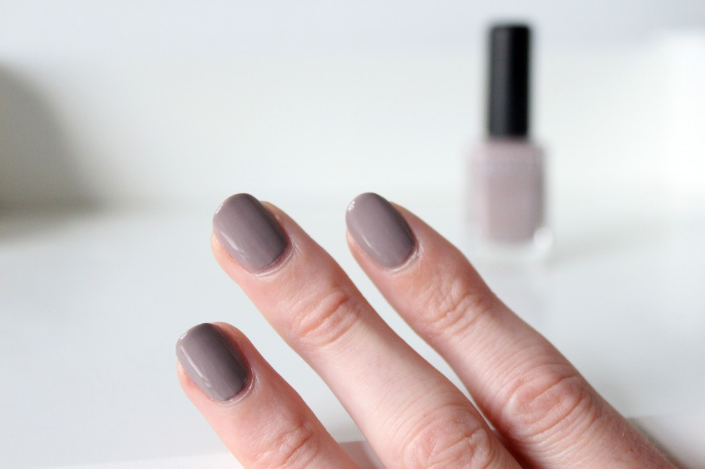 Nagellak-Kiko-Light-Dove-319_5