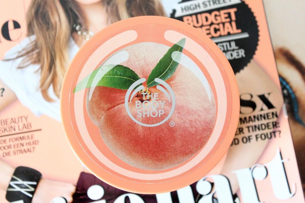 The-Body-Shop-Vineyard-Peach-Bodyscrub