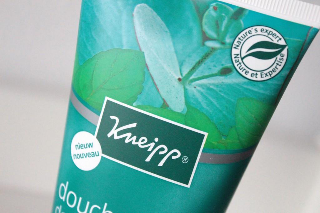 Kneipp-Douche-Scrub-Mint-Eucalyptus_3