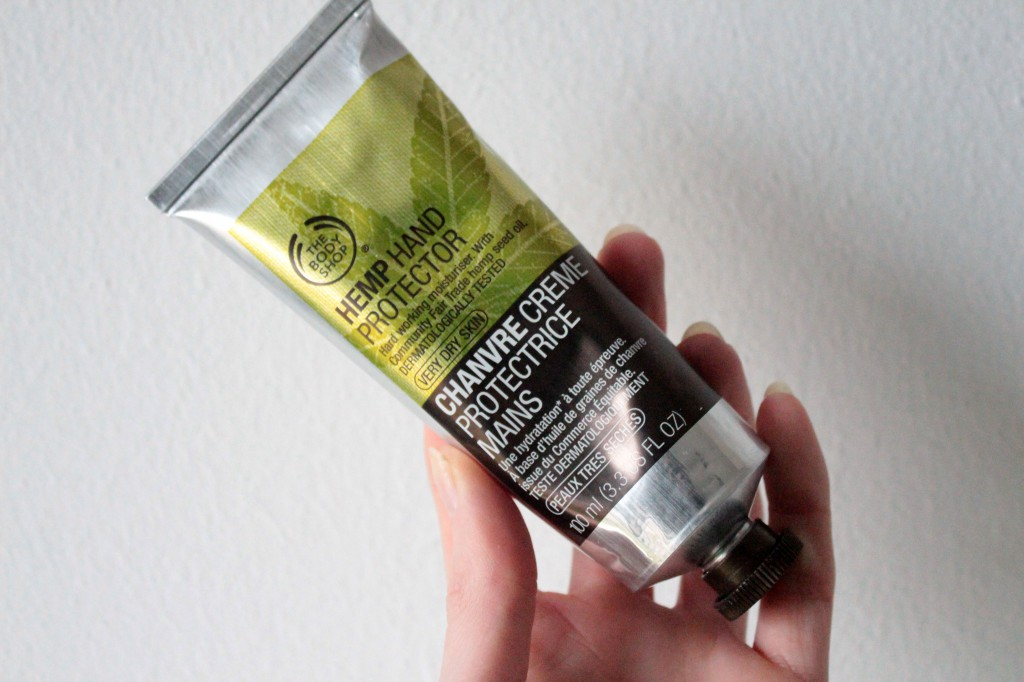 The-Body-Shop-Hemp-Hand-Protector-Review_4