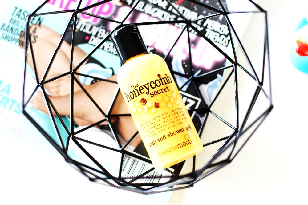 Treacle Moon Bath and Showergel The Honeybomb Secret Review
