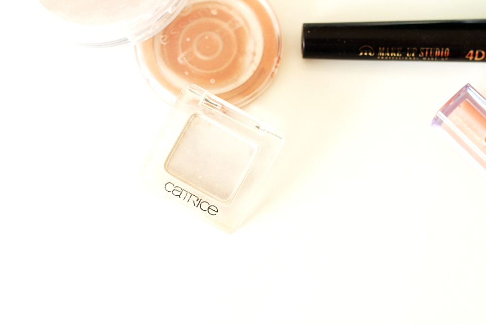 Opgemaakt make-up producten Catrice Absolute Eye Colour Mono Oops, Nude Did It Again