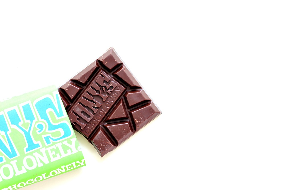 Tony's Chocolonely Puur Amandel Zeezout Review