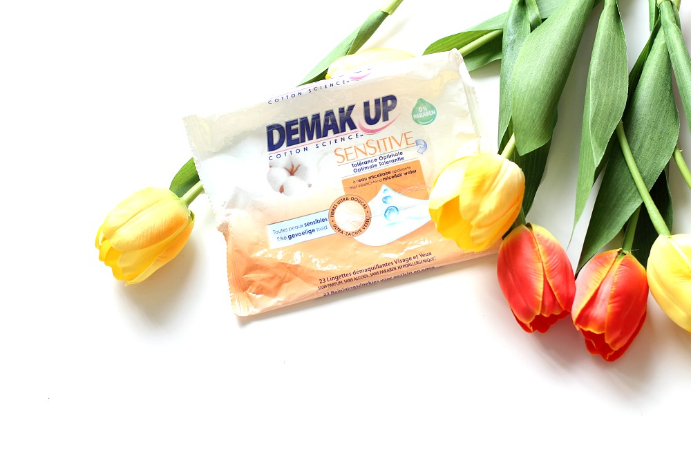 Opgemaakt juli 2017 Demak Up Sensitive Review Beautyjuf