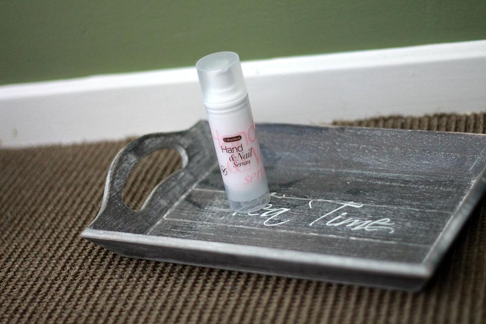 Beautyproducten op mijn nachtkastje Kruidvat Hand & Nail Serum