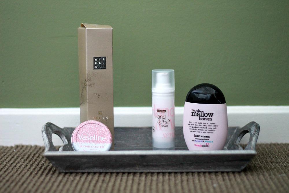 Beautyproducten op mijn nachtkastje