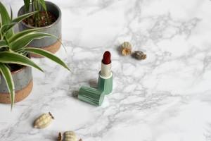 Shoplog Kiko Milano Limited Edition Green Me & Free Soul Lipstick 06 Breathe Out Amaranth