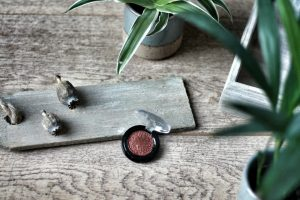Essence Melted Chrome Eyeshadow Copper Me - 06 Review